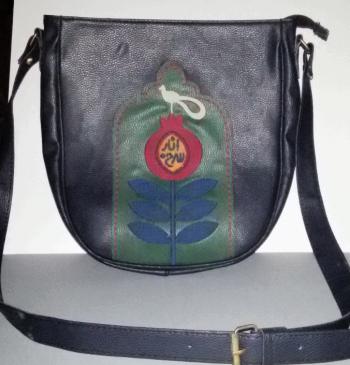 کیف نیم دایره گلدوزی